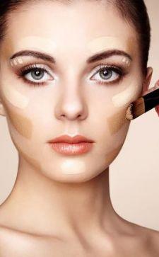 Как правильно наносить тональный крем: основы идеального макияжа