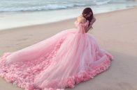 Платье розового цвета: повседневные и вечерние классические образы