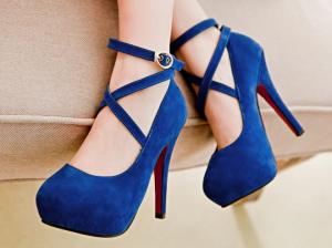 Синие туфли: обувь, которая сейчас на пике популярности