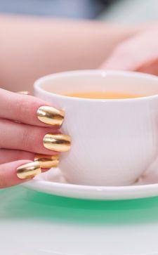 Варианты дизайна ногтей с золотом