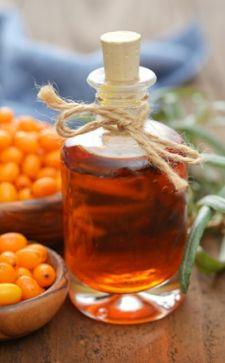 Облепиховое масло для бровей и ресниц: особенности применения