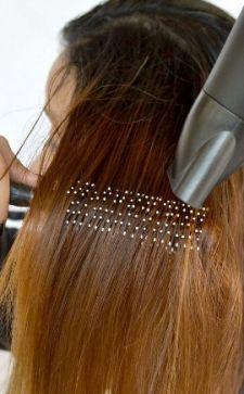 Как выпрямить волосы без утюжка: салонные процедуры и домашние способы