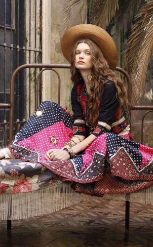 Этнический стиль в одежде 2020 года:  образы с платьями и рубашками