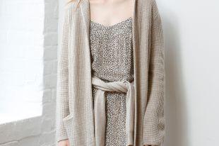 Кардиган с капюшоном – отличное дополнение для модного осеннего образа