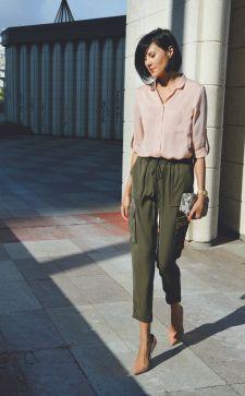 Бежевая блузка – модная и стильная вещь в гардеробе любой женщины