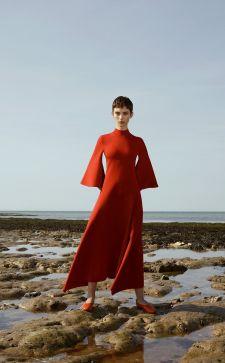 Расклешенное платье 2019 года: создаем романтичный образ на весну
