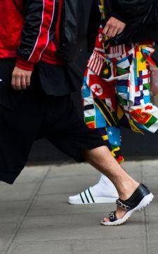 Мужские сандалии для джентльменов и туристов: как выбрать подходящую пару