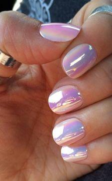 Дизайн ногтей с жемчугом: эффектный маникюр с перламутровыми переливами