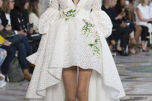 Свадебные платья для беременных: деликатный подход к торжественному образу