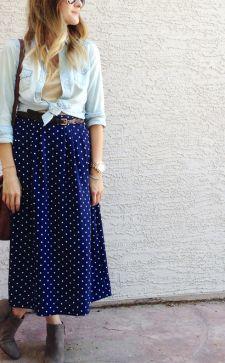 С чем носить синюю юбку разных фасонов