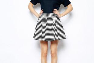 С чем носить модную юбку в полоску
