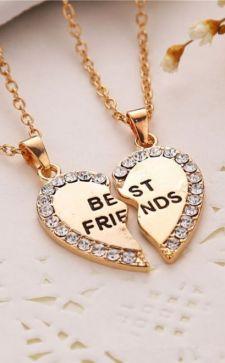 Кулон дружбы: интересное украшение со смыслом