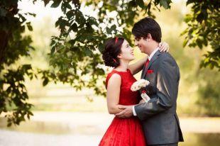 Выбор для самых смелых: красное свадебное платье