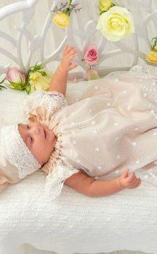 Платье для крещения девочки: особенности и рекомендации выбора