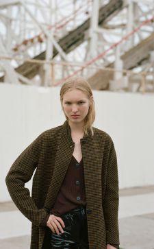 Шерстяное пальто в стильном гардеробе: с чем носить и как ухаживать