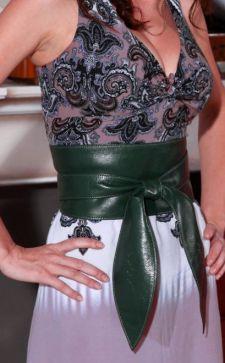 Пояс для платья: особенности и преимущества