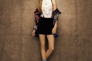 Бархатная юбка: с чем носить фасоны карандаш и солнце