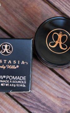 Помада для бровей Anastasia Beverly Hills – незаменимая вещь в косметичке