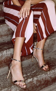 Женские вечерние туфли: создаем образ на 14 февраля