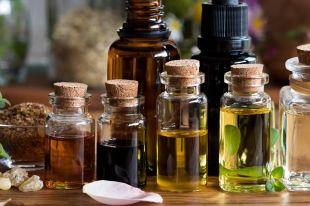 Эфирные масла для лица: польза в каждой капле
