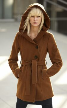 Пальто с капюшоном: тренд нового сезона