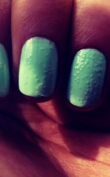 Почему пузырится лак на ногтях и как забыть об этой проблеме навсегда