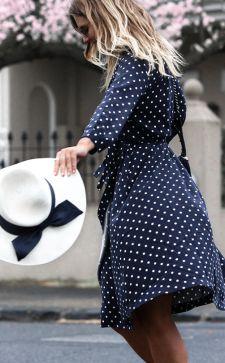 Платье в горошек: новый взгляд на традиционное решение