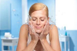 Мицеллярная вода для умывания: незаменимое косметическое средство