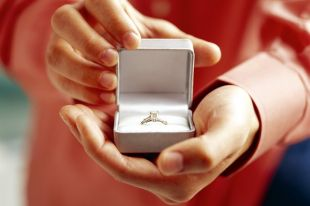 Кольцо для предложения руки и сердца: важные тонкости выбора