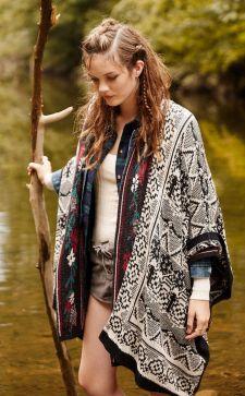 Женские кардиганы 2018 года: мода на вязаные вещи