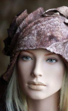 Валяные шапки: оригинальное решение для нестандартного подарка