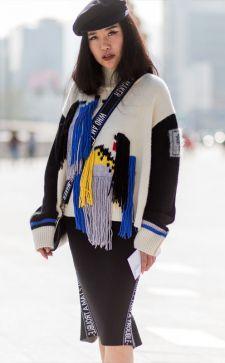 Женские свитера в 2018 году: еще больше объема