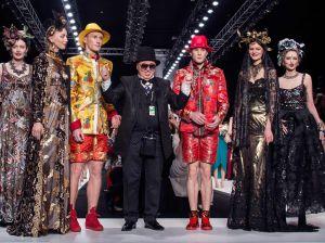 Чем запомнилась Mercedes Benz Fashion Week 2018: чествование признанных мастеров и открытие новых имен