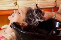 Смывка краски для волос: нюансы выбора и применения