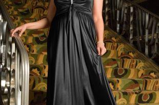 Вечерние платья для полных дам: как выглядит «аппетитная красота»