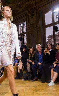 Коллекция John Galliano весна-лето 2018: новая провокация от маэстро
