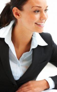 Деловой и офисный стили женской одежды: модные костюмы и платья 2018