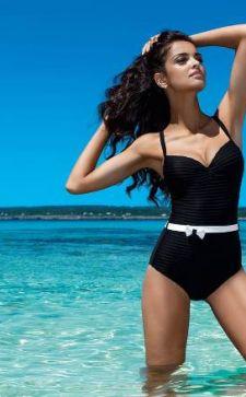 Идеальный черный купальник: как выбрать и сочетать с другими вещами