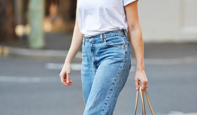 Белая женская футболка: самые модные луки