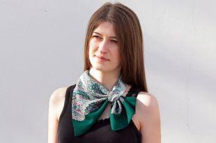 Французская косынка: как выглядит и с чем носить
