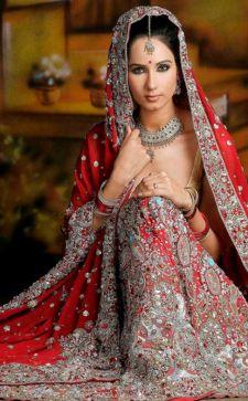 Индийский стиль в женской и мужской одежде