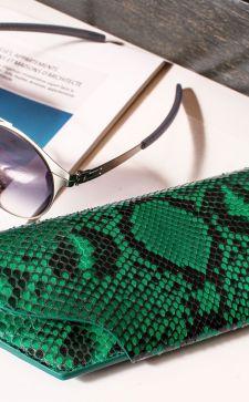 Футляр для очков: модный взгляд на базовые аксессуары