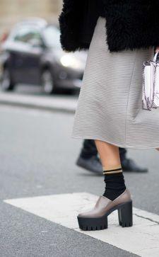Туфли с носками: наперекор модным традициям