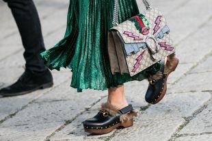Женские сабо – колоритная обувь в условиях города