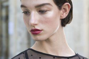 Женские стрижки на короткие волосы: как модно оформить прическу в 2019 году?