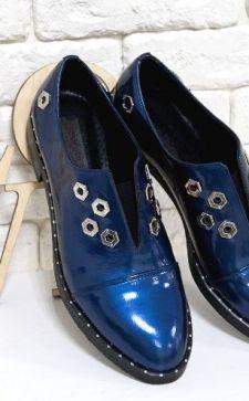 Женские лакированные ботинки: элегантный блеск гардероба