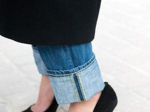 Подвороты на джинсах в 2018 году: пройдет ли мода на них?