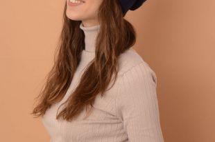 Молодежная шапка-носок – модный тренд сезона