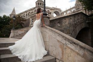 Свадебные платья со шлейфом: грация и изящество в образе невесты 2018 года
