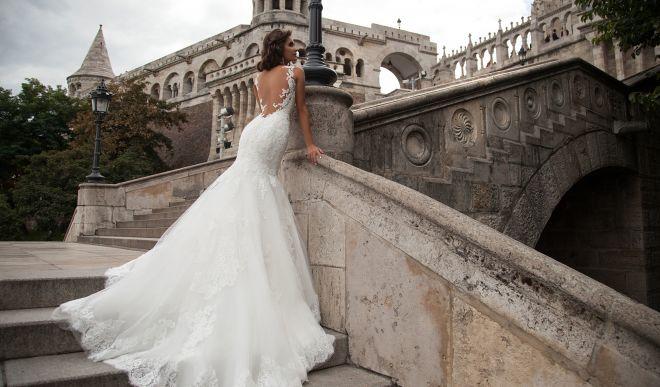 Свадебные платья со шлейфом: грация и изящество в образе невесты 2020 года